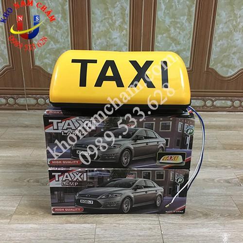 Mào taxi dù vàng